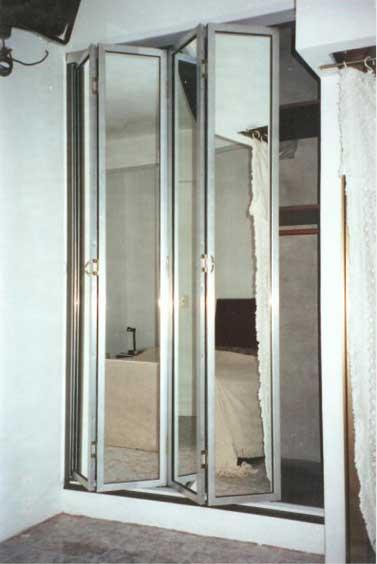 Trabajos especiales - Puertas plegables de aluminio ...